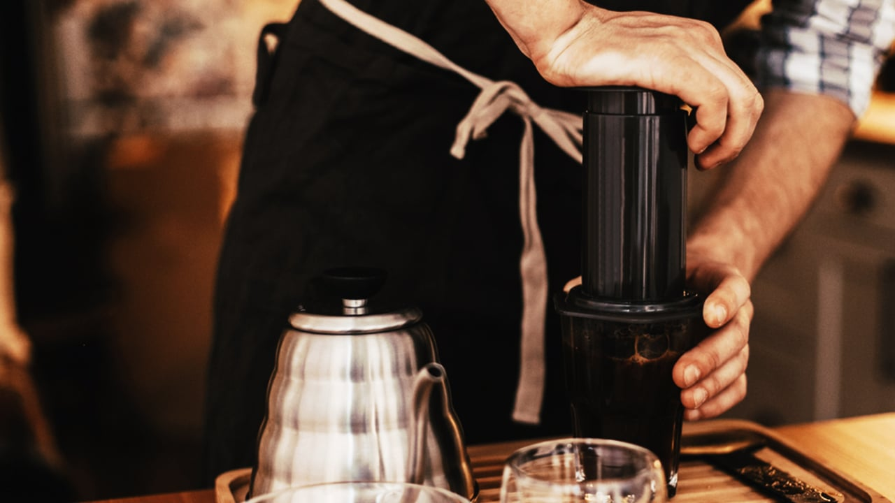 The ultimate guide on how to make coffee using AeroPress_1