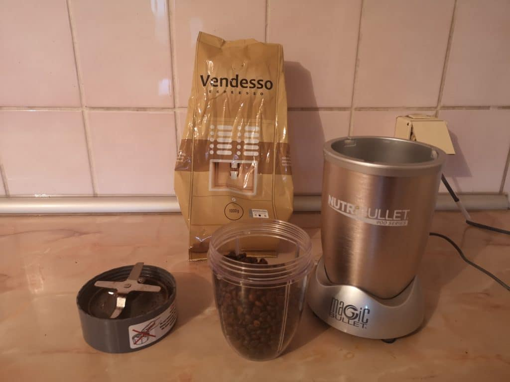 how to grind coffee beans in a nutribullet