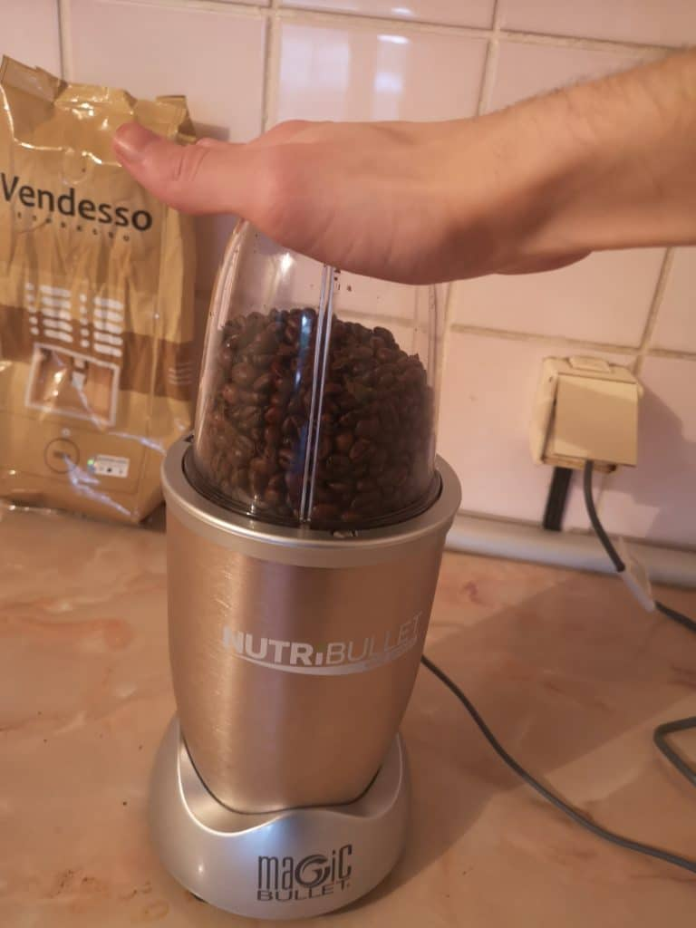 can you grind coffee beans in a nutribullet