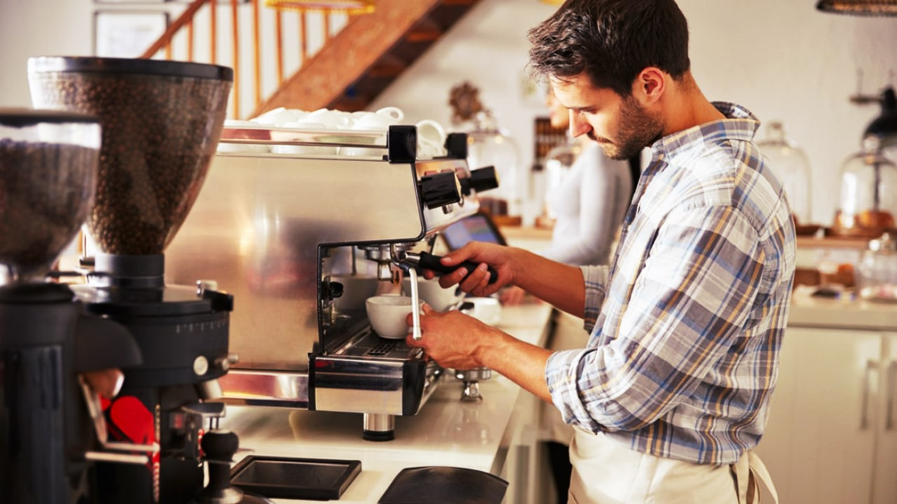 How to Become a Barista With Little or no Experience